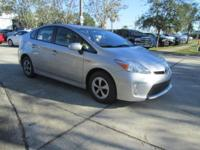 CARFAX 1-Owner, ONLY 29,464 Miles! FUEL EFFICIENT 48