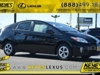 2014 Toyota Prius Four NAVI CARFAX One-Owner. Concerned