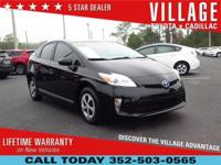 2014 Toyota Prius Three * One Owner Local Trade *