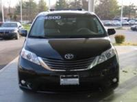 2014 Toyota Sienna Automatic 6-Speed   Look!! Look!!