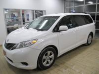 Exterior Color: super white, Body: Mini Van, Engine: