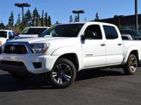 This 2014 Toyota Tacoma 4dr 17 WHITE DIAMOND EDITION