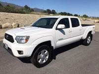 Super clean,one owner,all original,2014 toyota tacoma