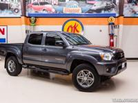 2014 TOYOTA TACOMA SR5 DOUBLECAB 4X4  Good looking 2014
