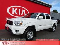 2014 Toyota Tacoma V6 4WD White Blue Tooth, Rear Back