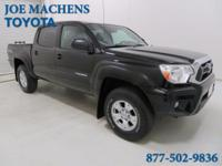 4WD. All the right ingredients! Crew Cab! 2014 Toyota