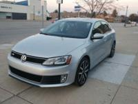 MINT MINT MINT and BACKUP CAMERA. Jetta GLI, 6-Speed