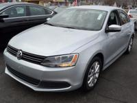 This 2014 Volkswagen Jetta Sedan 4dr SE features a 1.8L