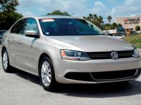 Options:  2014 Volkswagen Jetta Sedan Se
