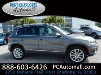 Clean CARFAX. Pepper Gray Metallic 2014 Volkswagen
