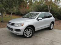 Options:  2014 Volkswagen Touareg 3.6 Sport|This 2014