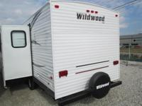 2014 Wildwood WDT28DBUD REAR BUNKS/DINETTE-LOUNGE