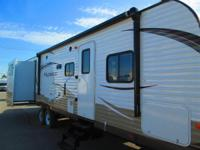 2014 Wildwood WDT31QBTS TWO REAR SLIDE OUT OPPOSING