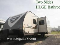 2014 Winnebago Ultra LIte 27RBDS    Mileage: 0