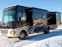 2014 Winnebago Vista Class A. Length 31FT- 7000 Miles-