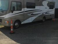 2014 Winnebago Vista (OH) - $93,500 Length: 30 ft
