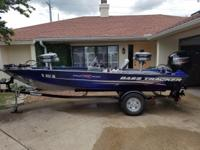 18ft 60hp mercury 4 stroke' 2 live wells with plenty of
