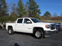 Clean CARFAX. Summit White 2014 4D Crew Cab GMC Sierra