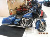 2014 Harley-Davidson Street Glide Beautiful Paint Low