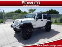 4x4, CLEAN CARFAX, ***1-OWNER***, ****LIFTED****,