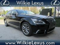 One-Owner. Clean CARFAX. Certified. Obsidian 2014 Lexus