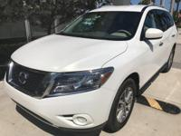 This 2014 Nissan Pathfinder SV is offered to you for