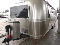 Rare Airstream bunk model. Sleeps 8. Front privater