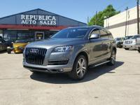 Panoramic sunroof, 11 Speakers, 20 S Line Plus Package,
