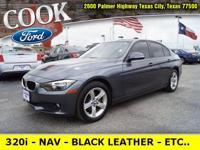 * BMW 320i * - NAVIGATION - BLACK LEATHER SEATS - REAR