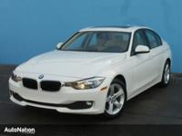 MINERAL WHITE METALLIC,Keyless Start,Bluetooth