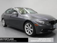 Mineral Gray Metallic exterior and Black interior, 320i