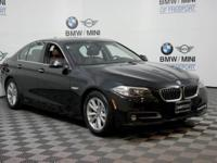 FUEL EFFICIENT 33 MPG Hwy/22 MPG City! CARFAX 1-Owner,