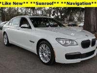CARFAX One-Owner.*Navigation*,*Power Sunroof*,*19''