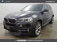 EPA 27 MPG Hwy/19 MPG City! CARFAX 1-Owner. sDrive35i