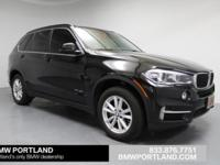 FUEL EFFICIENT 27 MPG Hwy/18 MPG City! xDrive35i trim.