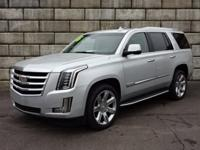 Escalade Luxury, 4WD, ** LOCAL TRADE **, ** LOW MILEAGE