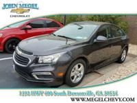 FUEL EFFICIENT 38 MPG Hwy/26 MPG City! CARFAX 1-Owner,