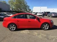 CRIUSE CONTROL, KEYLESS ENTRY, LEATHER SEATS, CLEAN