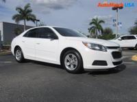 Boasts 36 Highway MPG and 25 City MPG! Carfax One-Owner