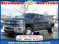 Exterior Color: gray, Body: Crew Cab Pickup, Engine: