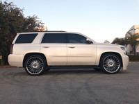 This 2015 Chevrolet Tahoe 4dr 2WD 4dr LT features a