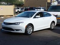 Clean CARFAX.  2015 Chrysler 200 Limited 23/36mpg 2.4L