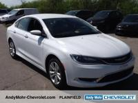 Chrysler 200  Clean CARFAX.    36/23 Highway/City MPG