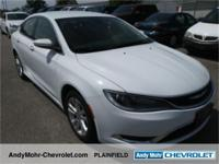 Chrysler 200  Clean CARFAX. CARFAX One-Owner.