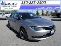 NAVIGATION, CRUISE CONTROL, AWD! This wonderful 2015