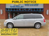 2015 Chrysler Town & Country Granite Crystal Metallic