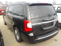 Options:  2015 Chrysler Town & Country Touring L|Mocha