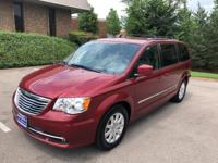 2015 Chrysler Town & Country Touring 10 YEAR 150,000