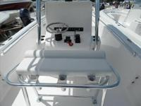 2015 Contender 24 Sport WE BUY BOATS! We will pay top