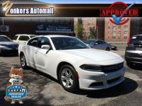 Come see this 2015 Dodge Charger SE. Its Automatic